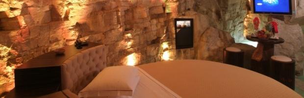 Realizzazione suite a tema con rocce in grc - Alberghi con camere a tema ...